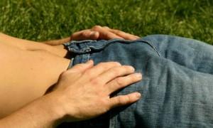 """Mặc quần sịp có thể làm cong """"cậu nhỏ"""""""