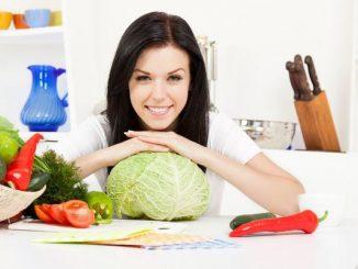 Phụ nữ cần có chế độ dinh dưỡng giàu chất xơ và ít béo để ngừa ung thư vú